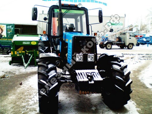 Фото с агровыставки «Алтайская Нива» (г. Барнаул). Трактор Беларус