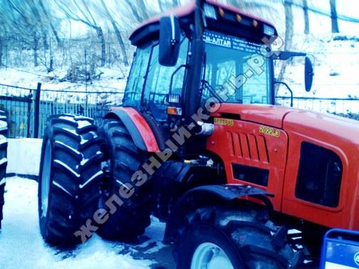 Фото с агровыставки «Алтайская Нива» (г. Барнаул). Трактор Беларус 2022.3