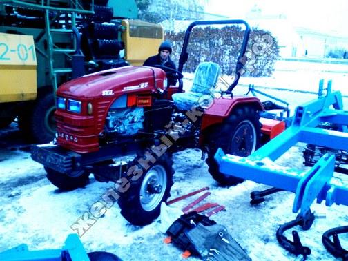 Фото с агровыставки «Алтайская Нива» (г. Барнаул). Мини-трактор (Китай)
