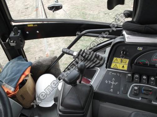 Погрузчик-экскаватор CATERPILLAR 428E фото