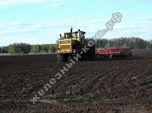 posevnaja_kampanija_2013_na_Altae_traktor_K-701_s_sejalkoj_SZP-3,6A_foto (58)