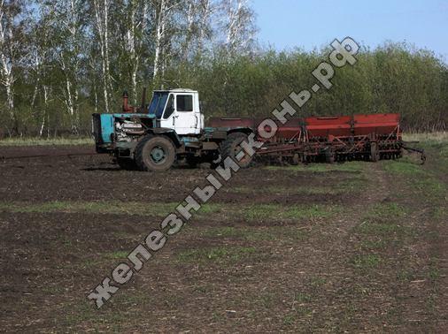 posevnaja_kampanija_2013_na_Altae_traktor_T-150K_s_sejalkoj_SZP-3,6A_foto (8)