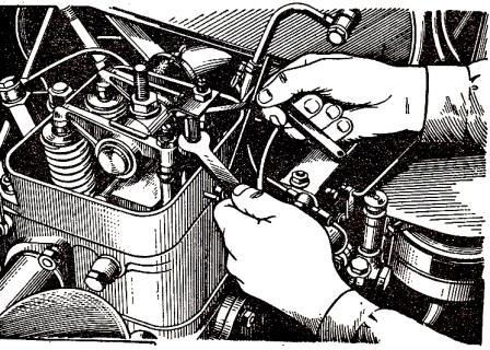 Регулировка декомпрессионного механизма двигателя трактора ДТ-20
