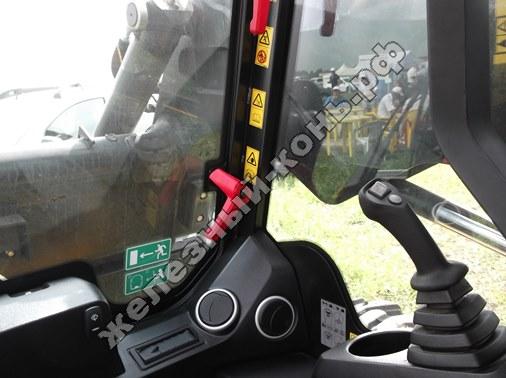 Мини-погрузчик с бортовым поворотом JCB 155